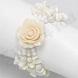 Bratara trandafir alb cu sidef alb, perle, cristale, pietre, margele - PK2006